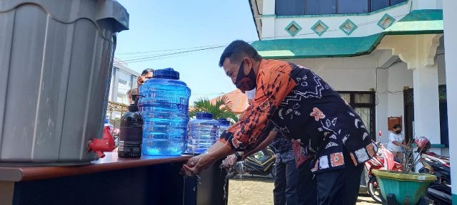 Bapenda Palopo Gelar Cuci Tangan Serentak dalam Rangka Memperingati Hari Cuci Tangan Sedunia